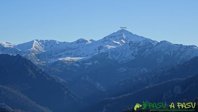 Vista del Torres desde Peña Riegos