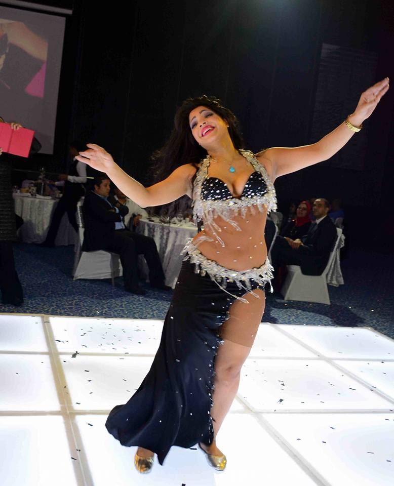 صوفيا تبهر الجميع براقصتها في حفل زفاف محمود وايناس بإحدى فنادق التجمع