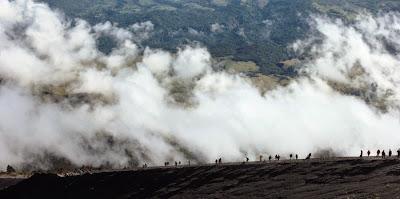 To go Summit of Mount Rinjani 3726 m