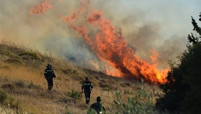 Κόψαν κονδύλια και άνδρες από την Πυροσβεστική και η χώρα καίγεται
