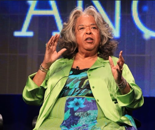 Della Reese Is Dead: 'Touched by an Angel' Alum and Gospel Singer Dies at 86 https://www.ipresstv.com...