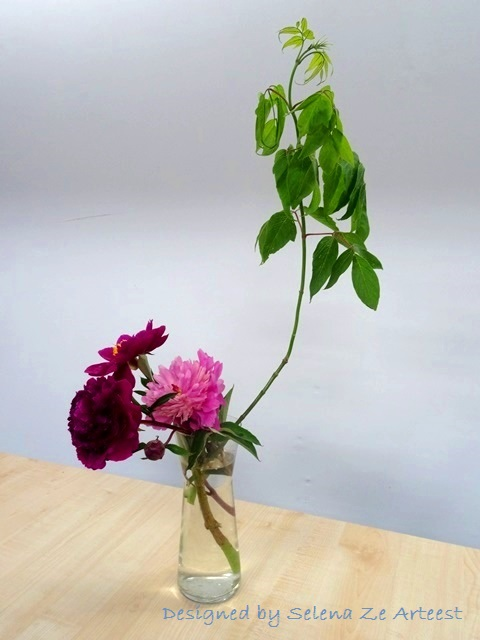 peony ikebana composition