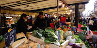 An organic market in Paris: The planet needs even more far-reaching changes than this. (Image Credit: Sam Nabi, via Wikimedia Commons) Click to Enlarge.
