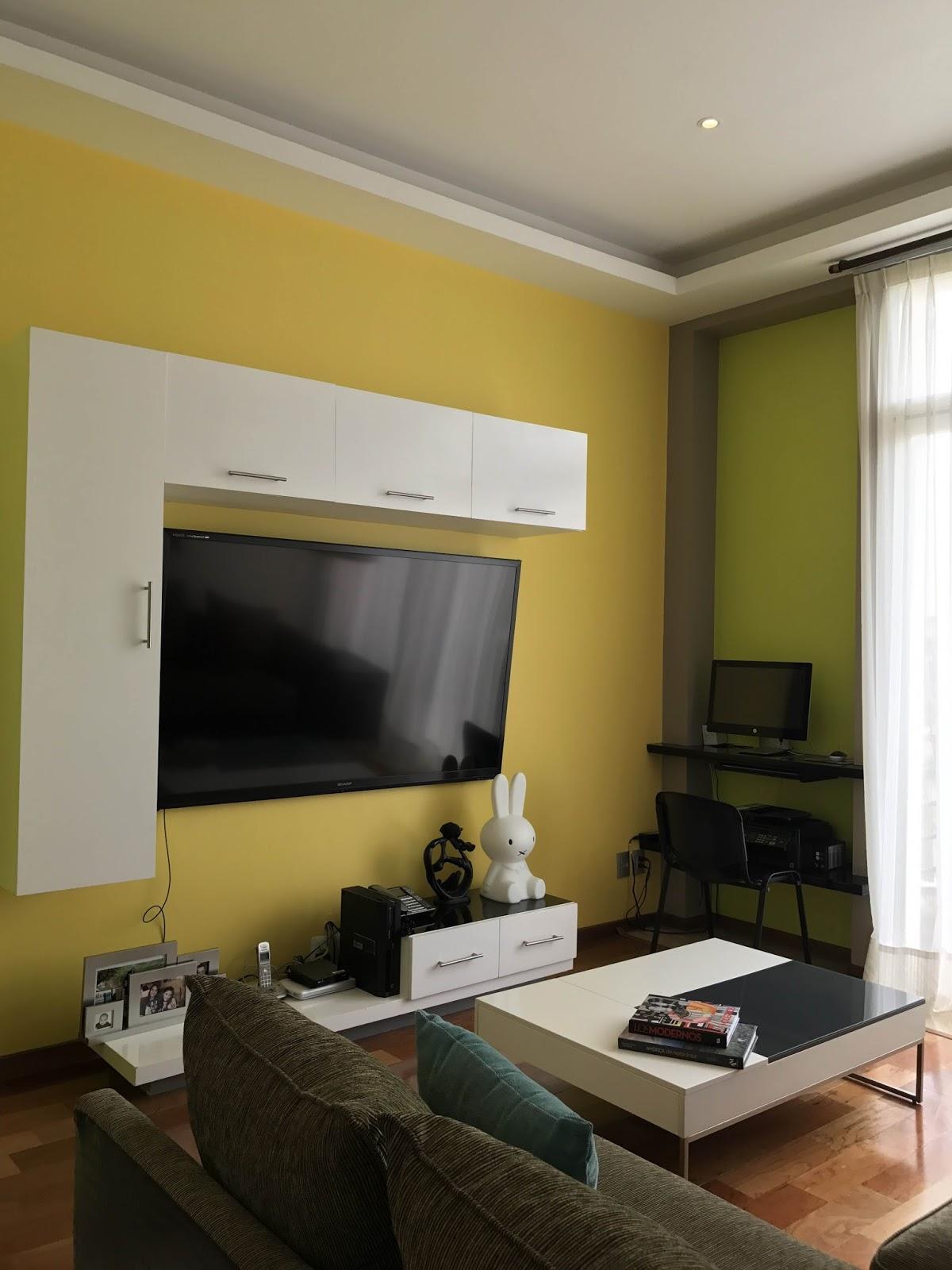 Dise o y decoraci n de interiores departamentos peque os y - Television en casa ...