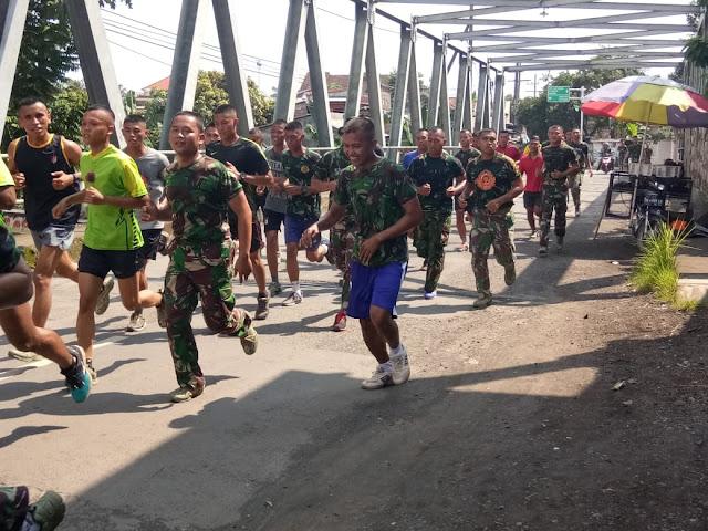 Jaga Stamina, Prajurit Yonif Raider 515 Kostrad Laksanakan Lari Siang Bersama