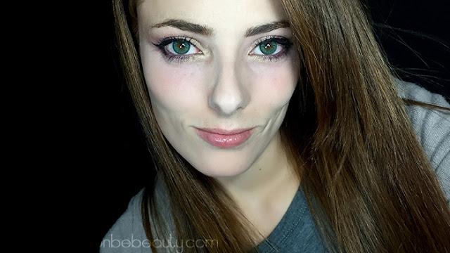 Maquillaje de noche para ojos verdes.