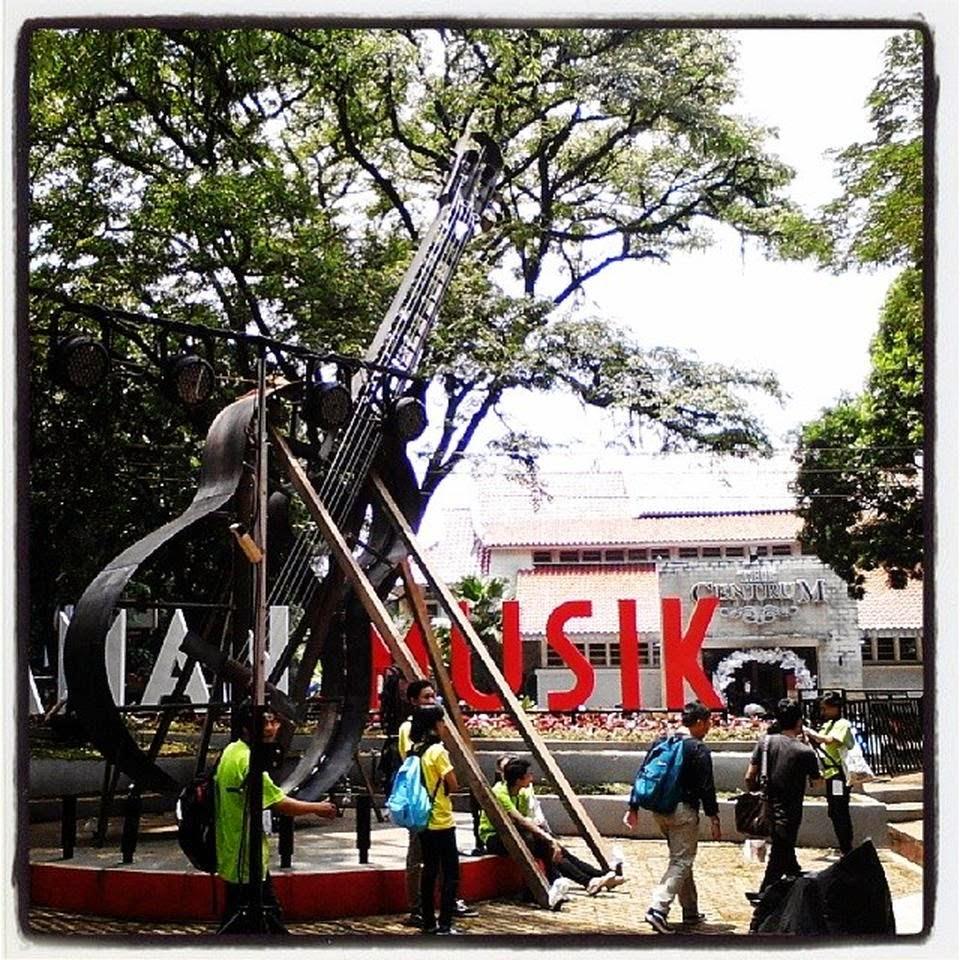 """Taman Musik """"Taman-Taman Unik di Bandung Yang Patut Dikunjungi"""""""