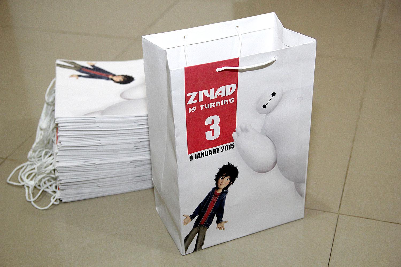 Comment on this picture ulang tahun anak contoh undangan kartu apps - Paperbag Ultah Dengan Nama Anak Tema Design Bisa Request