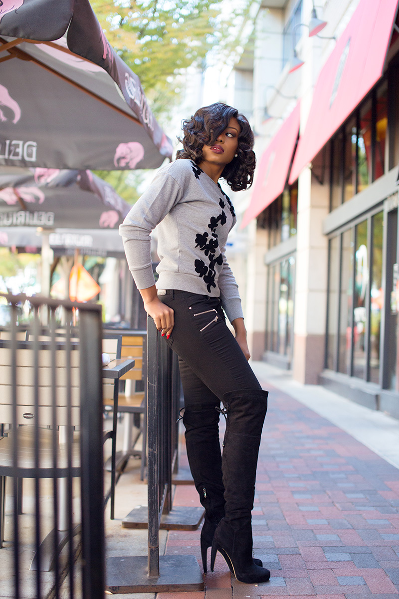 What to wear this weekend, jcrew graphic floral sweatshirt, sam edelman Over the knee boots, www.jadore-fashion.com