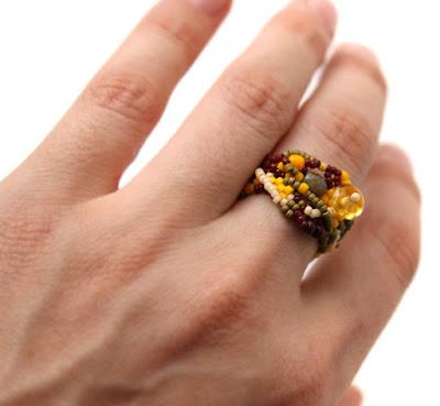 Необычное кольцо из бисера. Эксклюзивное женское кольцо в стиле фриформ