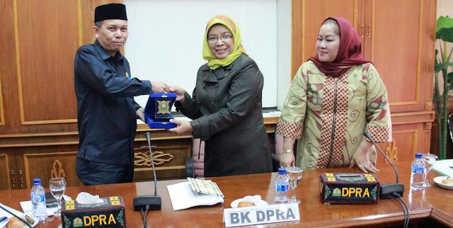 Mau Tau Kearifan Lokal Anggota DPR Aceh, Baca Ini