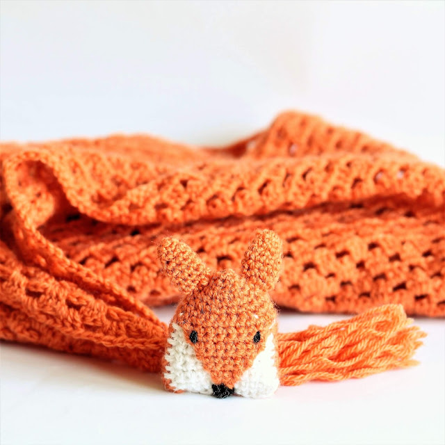 fox crochet brooch