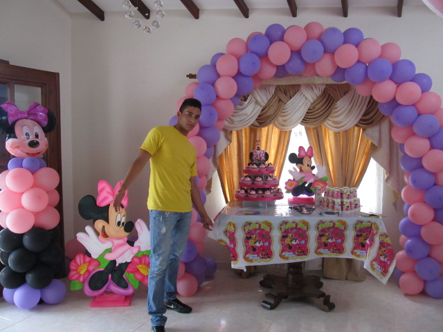 Decoracion globos minnie mouse recreacionistas medellin for Decoracion simple con globos