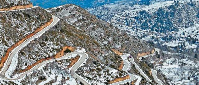 Χιονόπτωση στον Κολοσούρτη - Έτοιμος να κλείσει από τα χιόνια