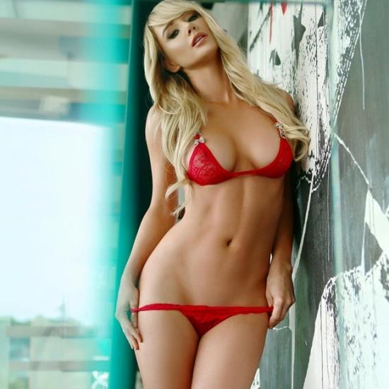Hot girls Sara Jean Underwood sexy poker lady 7