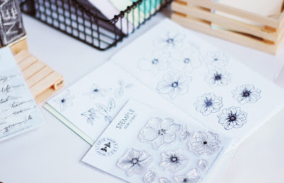 https://www.shop.studioforty.pl/pl/p/Flowers-2-stamp-set40-/244