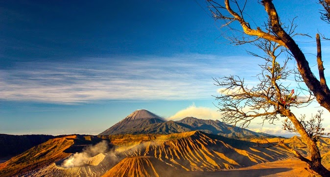 backpacker ke bromo, bromo, gunung, gunung batok, gunung berapi, gunung semeru, lumajang, mahameru, malang, Wisata Alam, Wisata Jawa Timur, wisata tiket, tempat liburan,