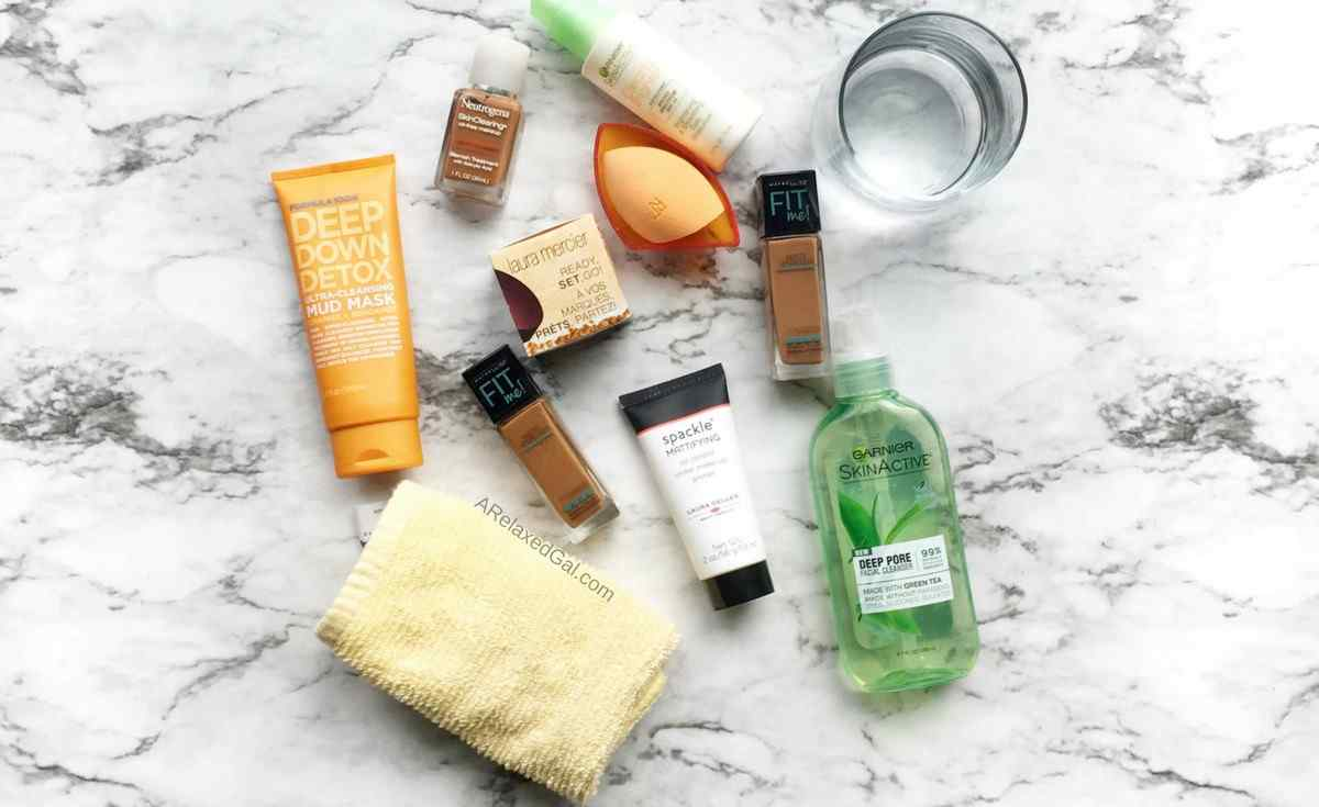 Tips for longer-lasting foundation on oily skin | A Relaxed Gal