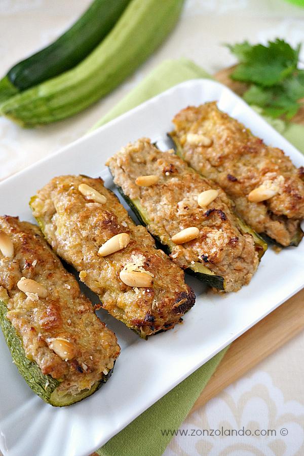 Zucchine ripiene al tonno e pinoli ricetta secondo gustoso facile leggero - light stuffed zucchini recipe