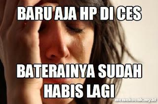 13 Meme Baterai HP Mau Habis