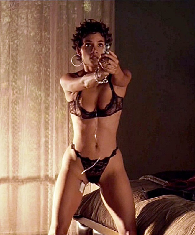 Halle berry nude fakes
