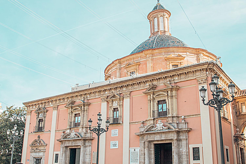 Basilica de la Virgen de los Desamparados Valencia