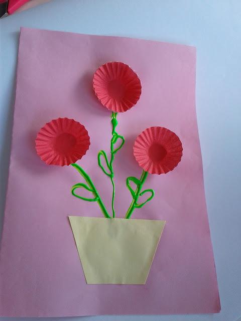 modelo de cartão com forminha de brigadeiro, dia das mães , educação infantil