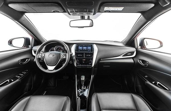 Interior Toyota Yaris (2019) Argentina