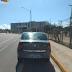 Carros estacionam irregularmente em ciclofaixa no Centro Administrativo