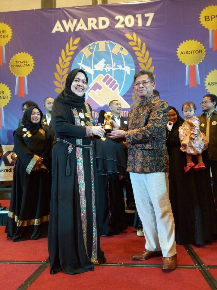Rabbani Tour Meraih Penghargaan Sebagai Biro Perjalanan Wisata Terakreditasi Oleh BNSP(Badan Nasional Sertifikasi Profesi)