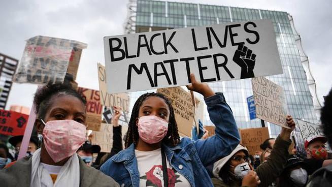 Δολοφόνησαν οπαδό του Τραμπ: Ακροαριστεροί και μαύροι επιτέθηκαν σε κομβόι αυτοκινήτων και τον σκότωσαν