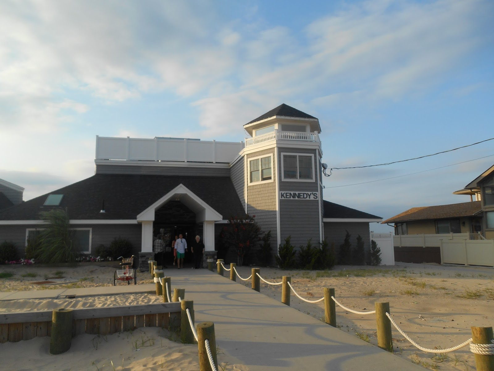 Merle\'s Whirls: Kennedy\'s Restaurant Makes a Breezy Point
