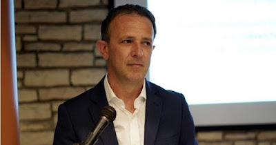 Ο υποψήφιος Δήμαρχος Ηγουμενίτσας Γιάννης Κ. Γόγολος, συγχαίρει μαθητές των σχολείων του Δήμου