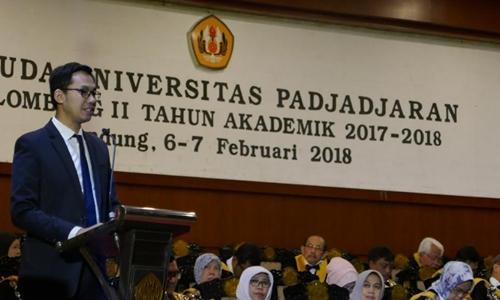 Yuliandre Darwis Memotivasi Alumni Pada Rangkaian Baru Wisuda UNPAD