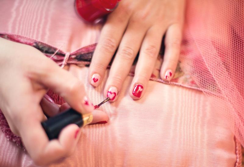 manicure na walentynki