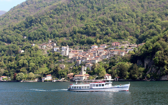 En barco por el Lago de Como