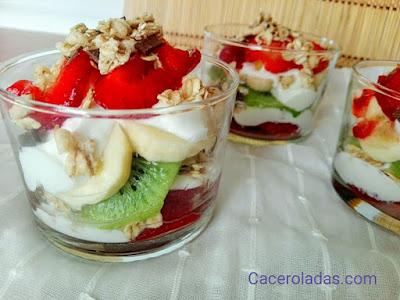 Vasitos de yogur con frutas