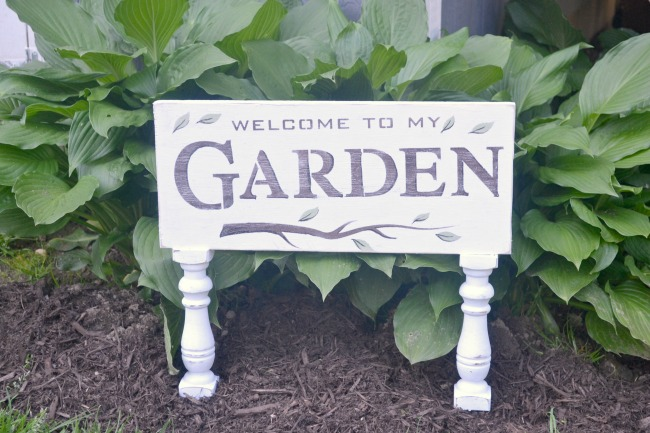 A Garden Sign with Sexy Legs www.homeroad.net