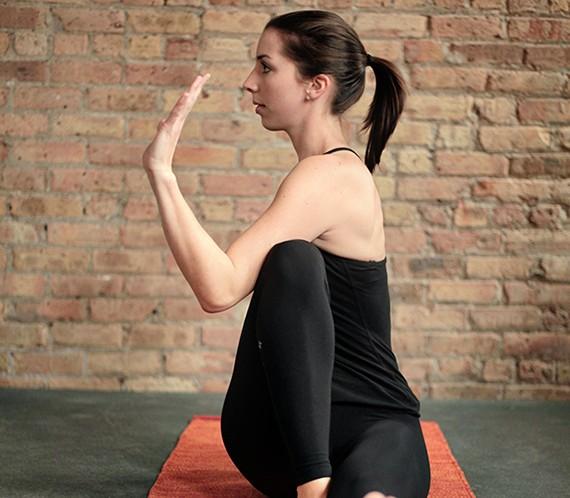 8 Yoga Poses to Detox