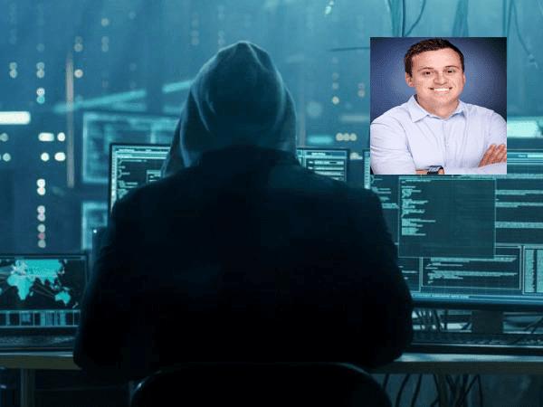 عاجل : اختراق حساب مدير منتج اليوتيوب ونشر أخبار كاذبة و مزيفة عن حادث إطلاق النار