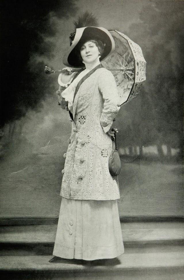 26 Vintage Photos Show Beautiful Parisian Women S Fashion