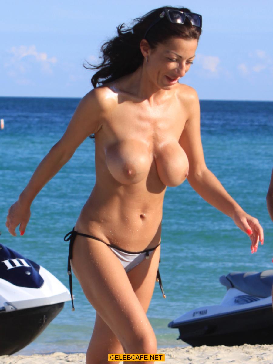Miami girl nude