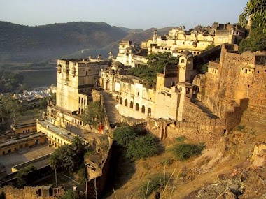 Bundi - A Day in the Fort, Palace and Bollywood Cinema