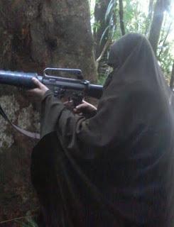 Istri Santoso Berhasil Di Tangkap Hidup Hidup, Panglima TNI : Karena Tak Bersenjata Ya Harus Hidup - Commando