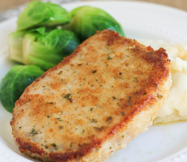 PARMESAN CRUSTED PORK CHOPS #PorkCops #Dinner