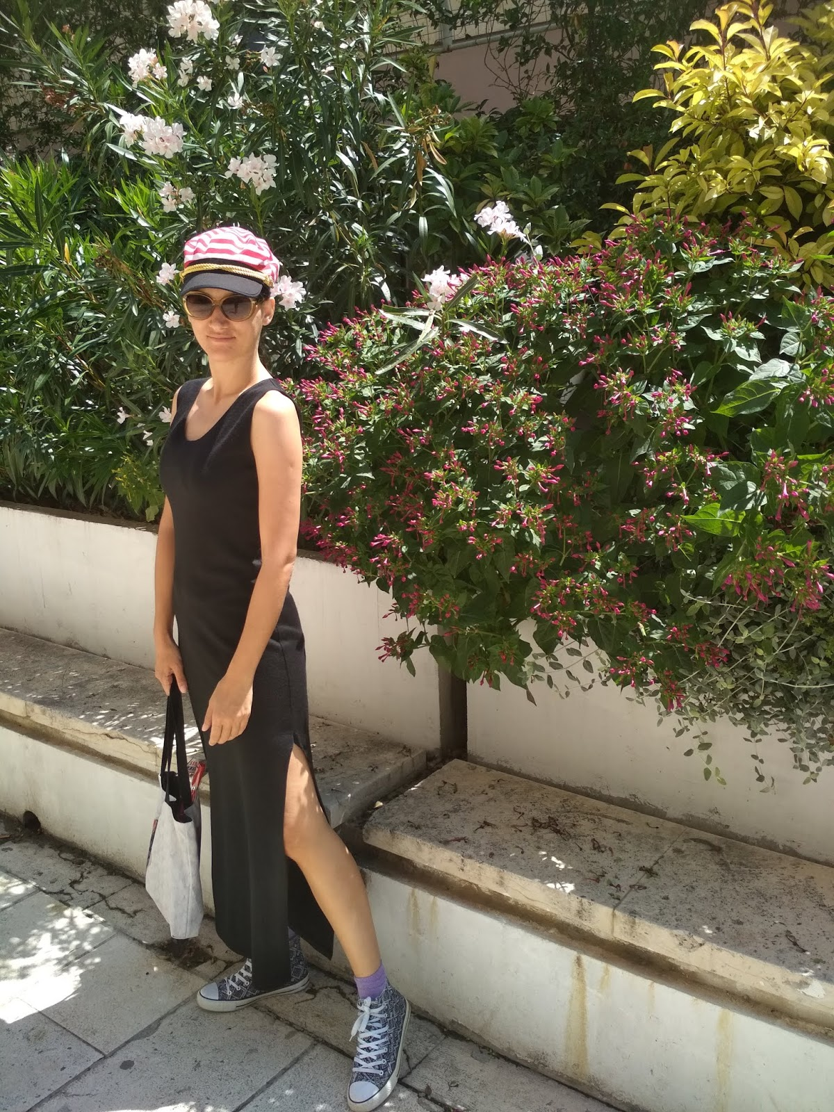 How to Wear a Black Maxi Dress in Summer / Summer Style Tips / Strolling Split 3 Outfit Proposal