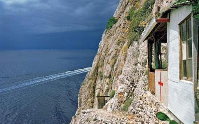Φωτογραφικός φόρος τιμής στο αθέατο, το απόλυτο, το ιερό Άγιον Όρος