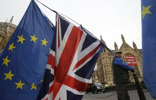 ΕΕ καλεί Λονδίνο: Πείτε μας τι ακριβώς θέλετε, για να σας δώσουμε παράταση
