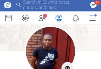 facebook-lite-app-displaying-personal-dp-on-others-dp