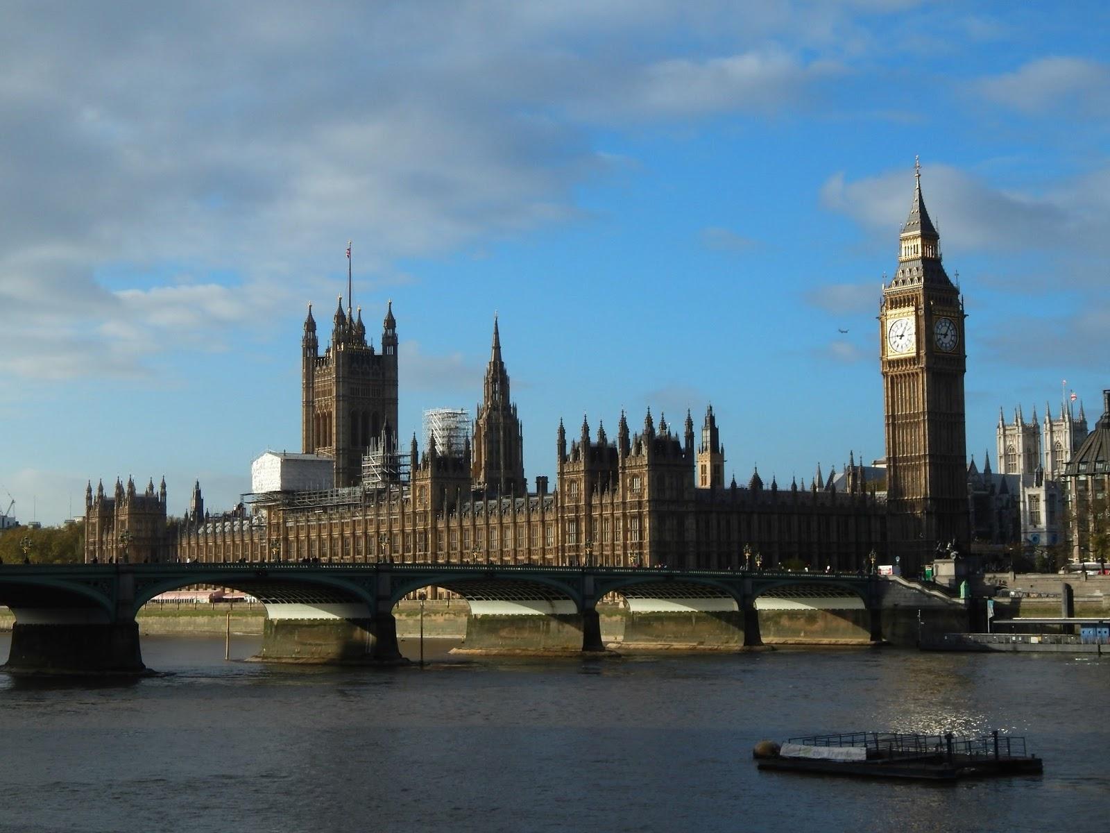 Westminsterský palác a most Londýn